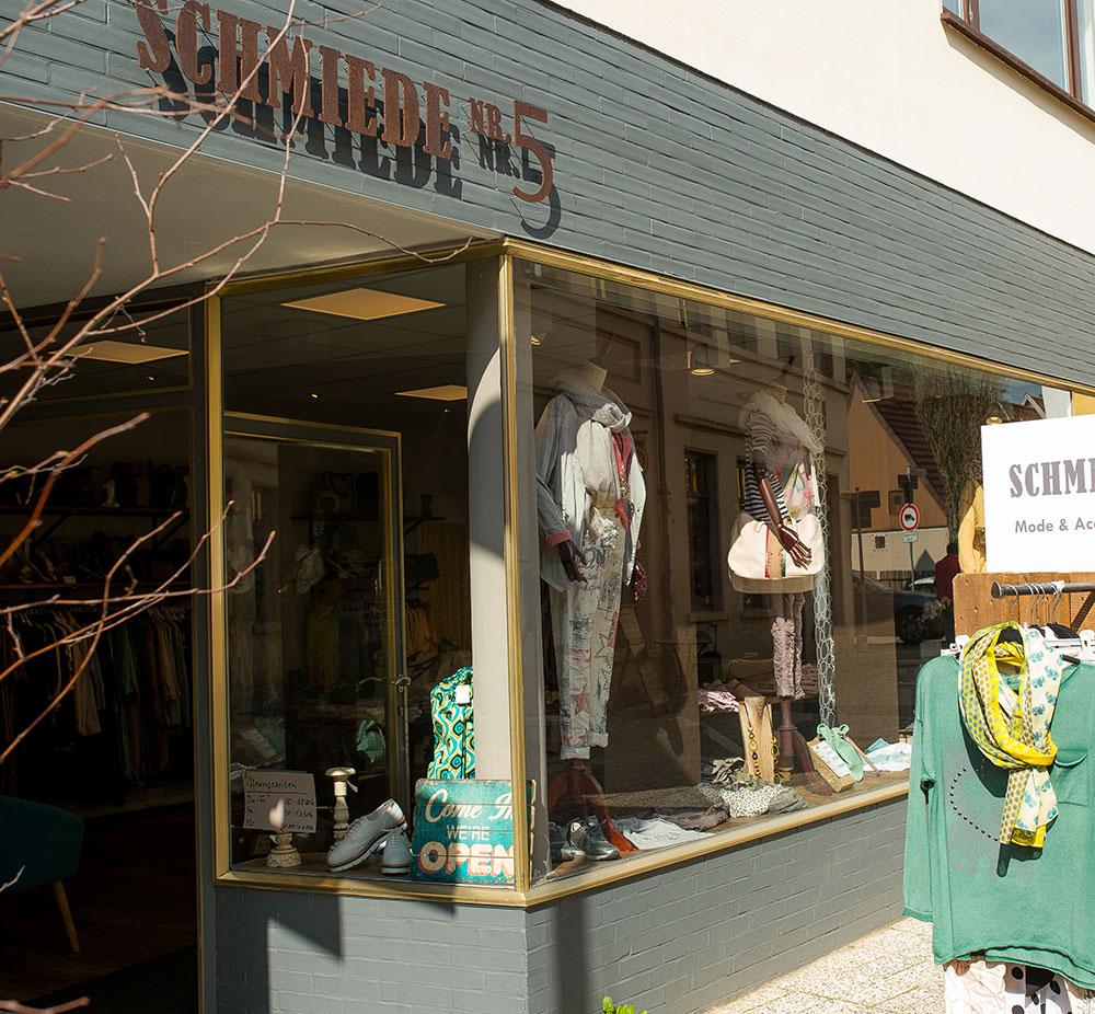 Aussenansicht Boutique Schmiede Nr.5