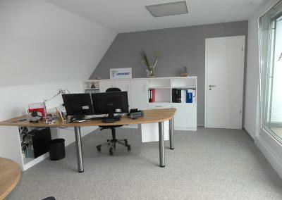 Büro mit Besprechungsbereich