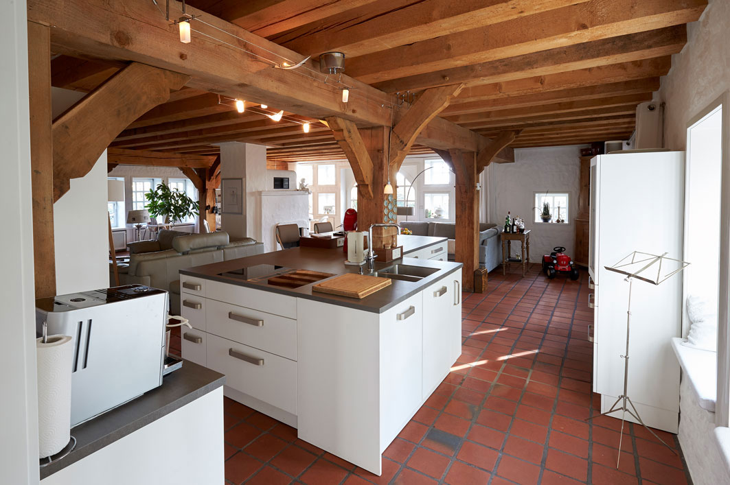 Ergebnis Küche 03 Blick durch die Küche aus dem Durchgang