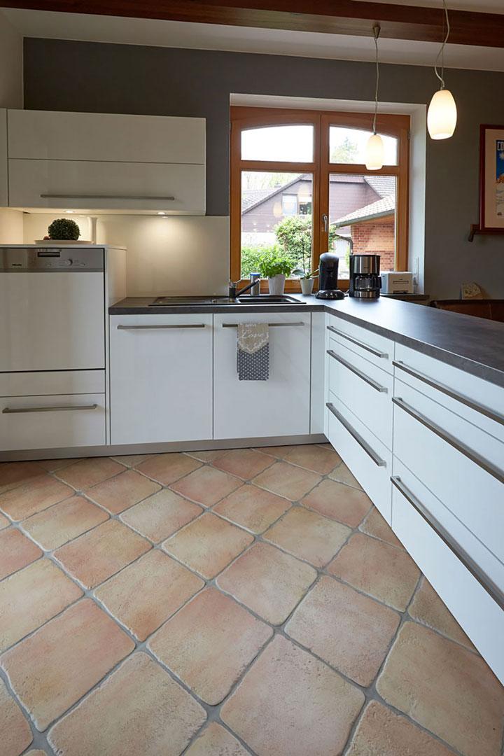 Ergebnis Küche: Blick zur Spüle