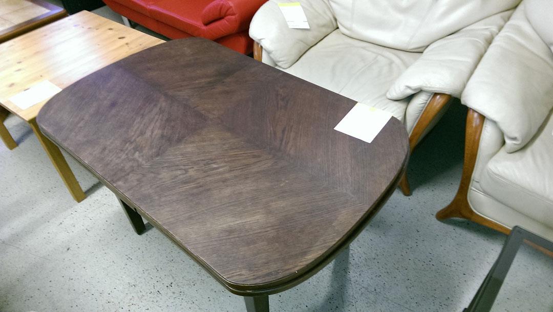 Fundstück - höhenverstellbarer Tisch aus dem Möbellager