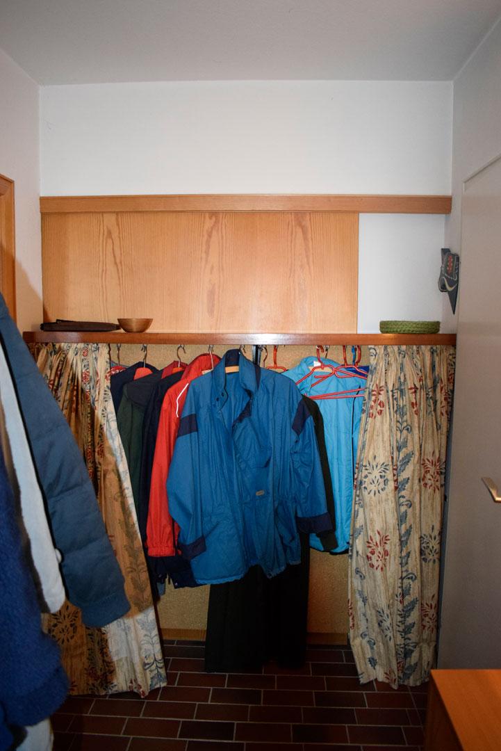 Vorher Garderobe